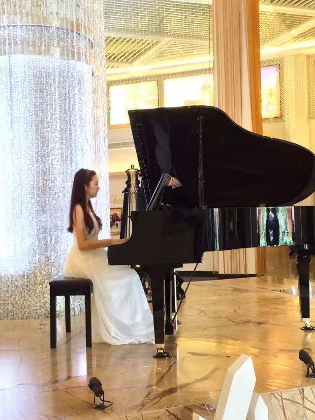 钢琴家教刘老师